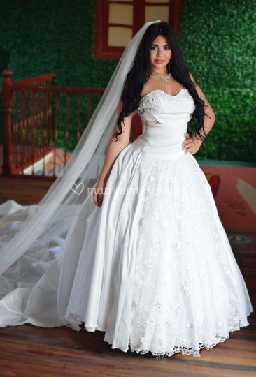 Vestido princesa en Tafetán