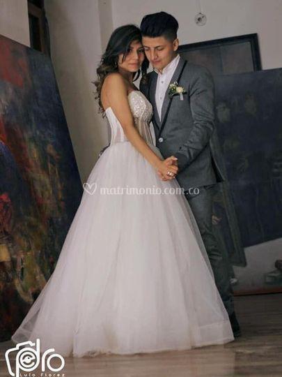 Vestido de novia y novio