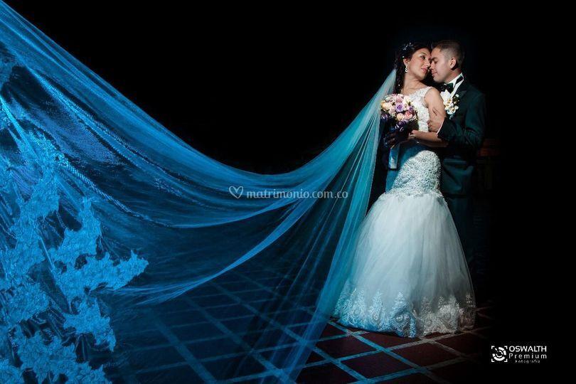 Vestido de novia y traje