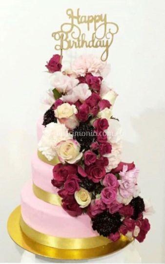 Torta 4 pisos con flores