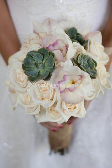 Yugo con rosa de Fransia