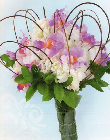 Ramo orquídeas y hortensias