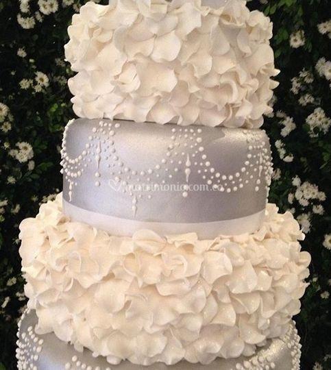 Cake plata y blanco