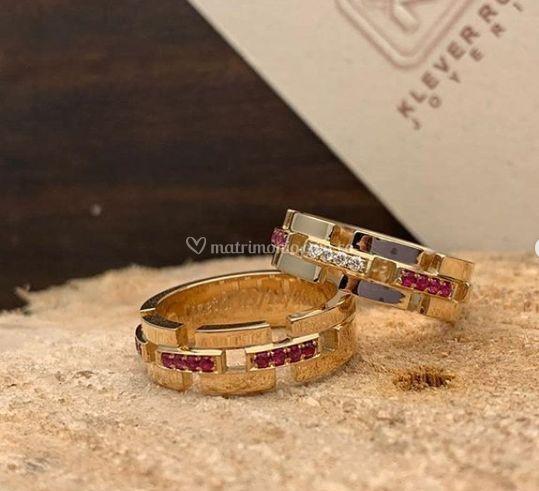 Oro amarillo rubis y diamantes