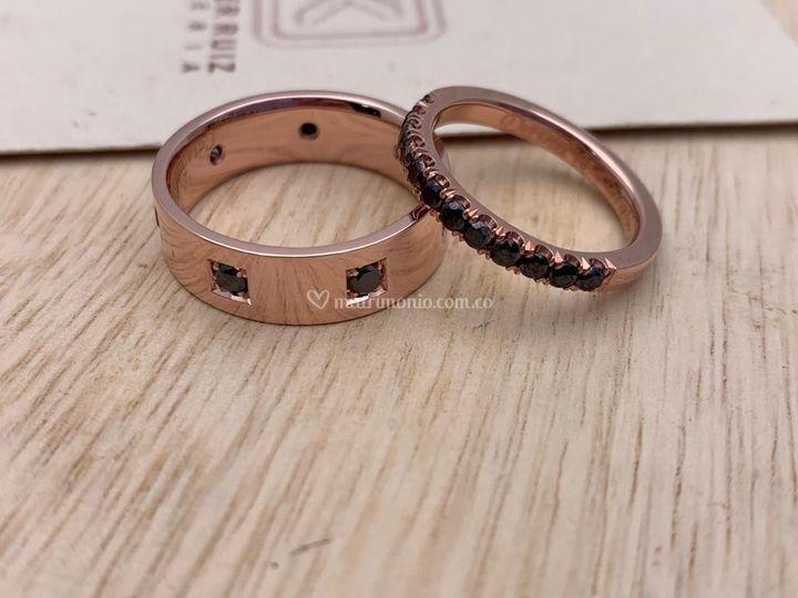 Oro rosa diamantes negros