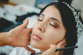 Laura Pabony Makeup
