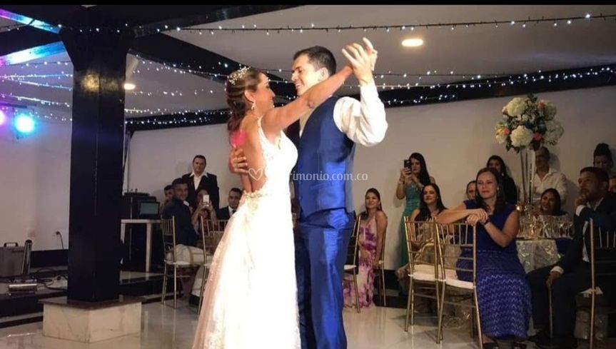 Felicidad al bailar
