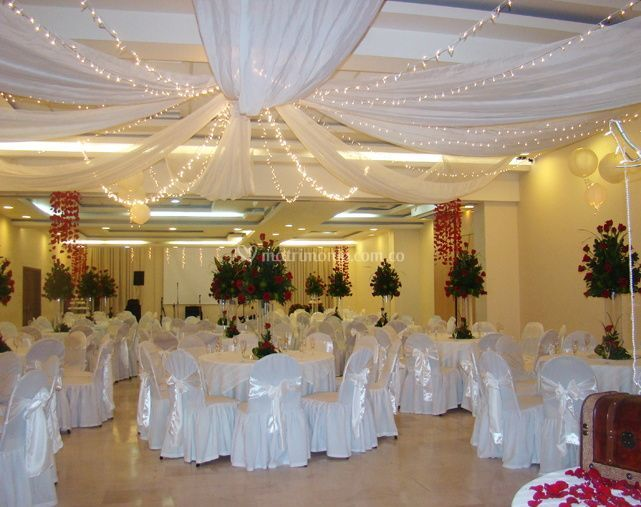 Hotel howard johnson versalles barranquilla for Arreglos para boda en salon