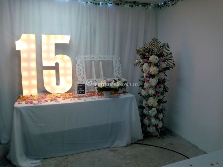 Mesa de 15