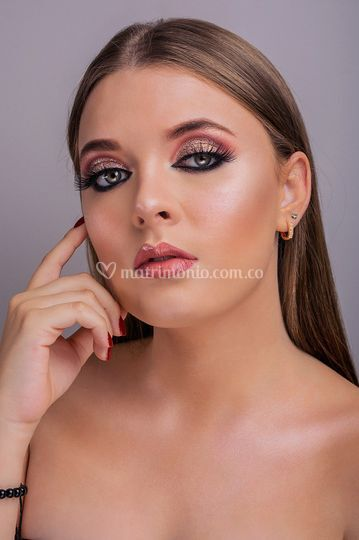 Maquillaje social glam