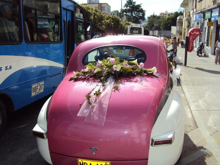 Carro antiguo para novia