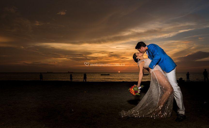 Silvia & Jeff beach love