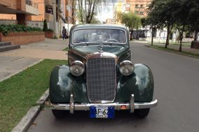 Limosina Mercedes Benz 2