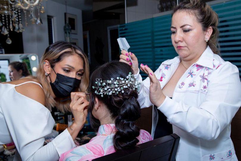 Proceso de maquillaje/peinado
