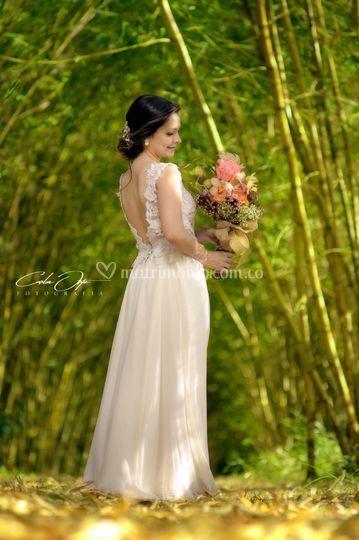 Una novia romántica y feliz