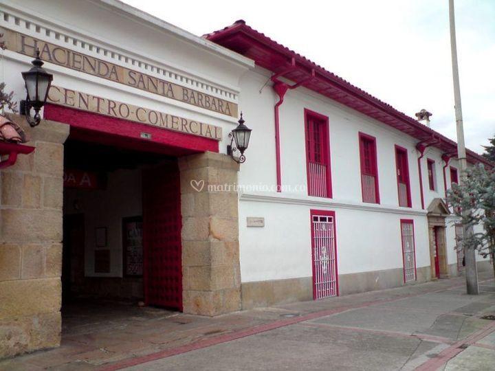 C.C Hacienda Santa Barbara