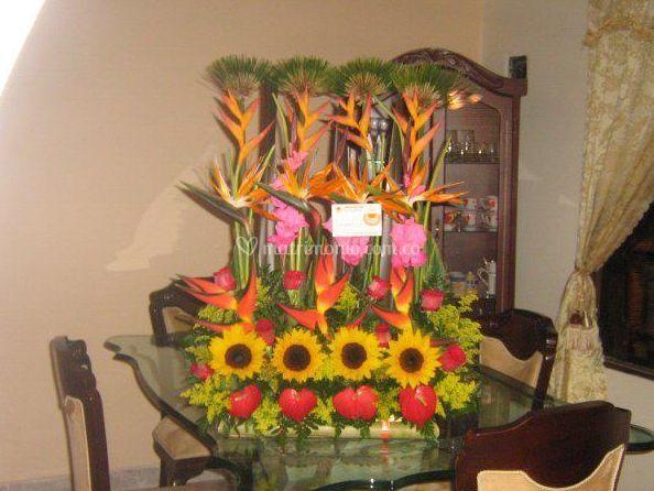 Arreglo Para Mesa De Floristería Flores Y Diseños Foto 17