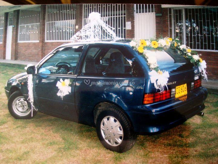Decoración carro novia