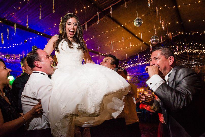 Arriba la novia