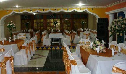 Hotel y Salón de Eventos Luxor