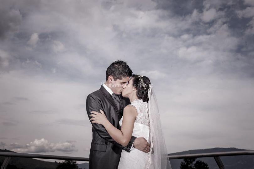 Beso en la terraza
