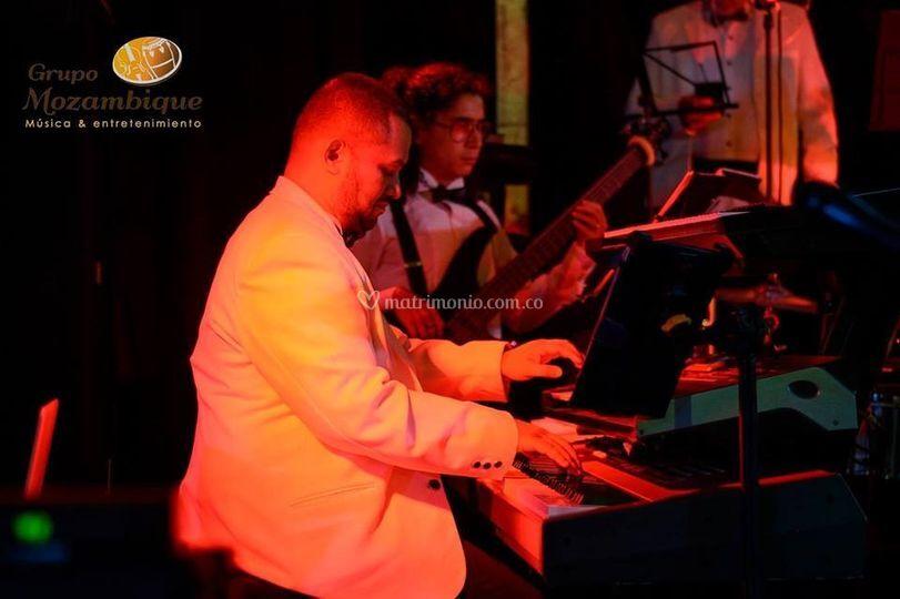 Pianista y director