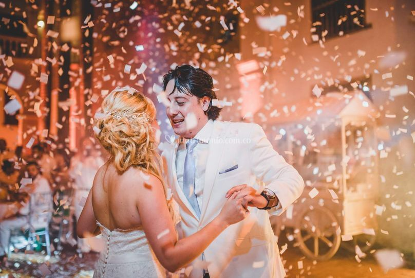 Angelica y Daniel bailando