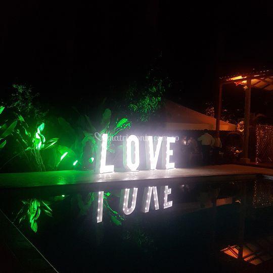 Amor bajo las estrellas