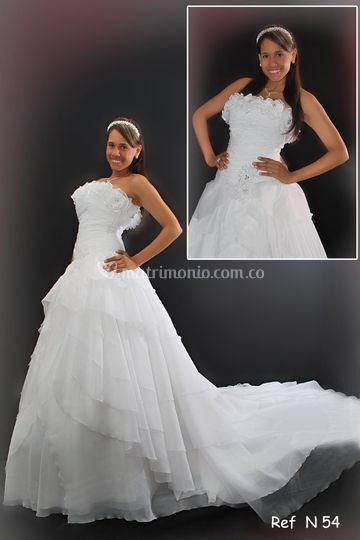 Vestido novia blanco flores