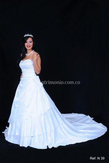 Vestido blanco corte a.