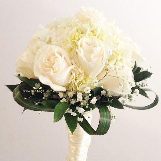 Yugo rosas y hortensias