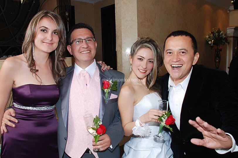 Yuri Buenaventura y los novios