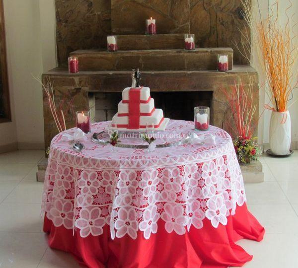 Mesa con pastel