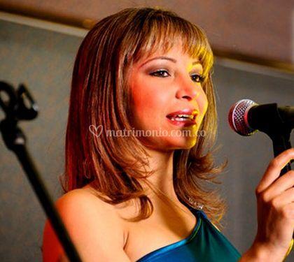 Hermosa cantante