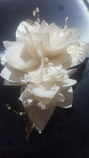 Flores enlazadas en Seda