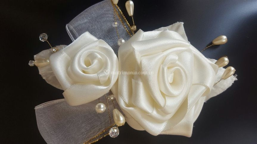 Tocado de rosas y perlas en al