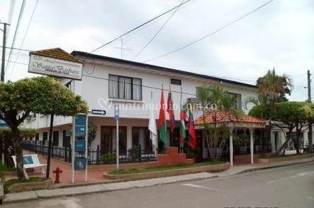 Fachada de Santa Bárbara - Hotel Arauca