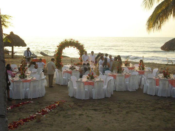 Matrimonio Catolico En La Playa Colombia : Brocheta mixta de pradomar hotel foto