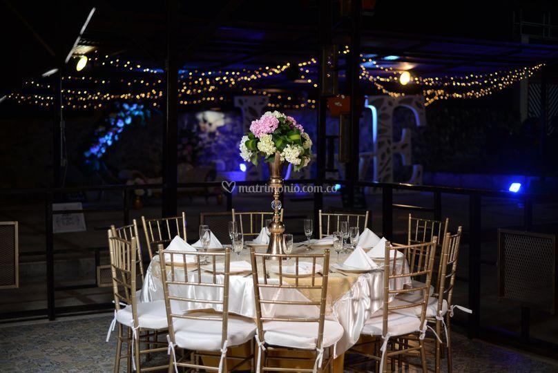 Mesa redonda -sillas tiffany