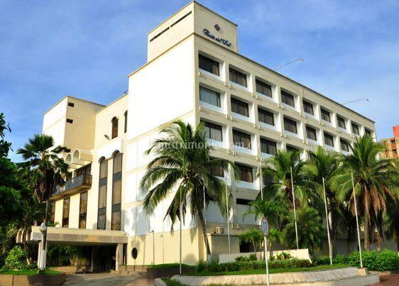 Hotel puerta del sol for Resort puertas del sol precios