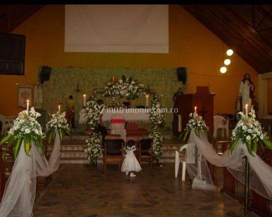 Decoración en flores de la capilla
