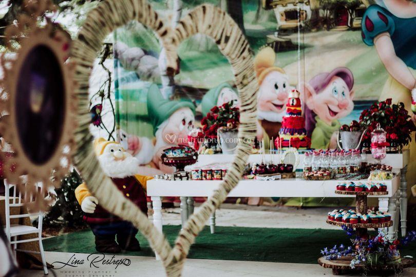 Mesa de dulces Blanca Nieves