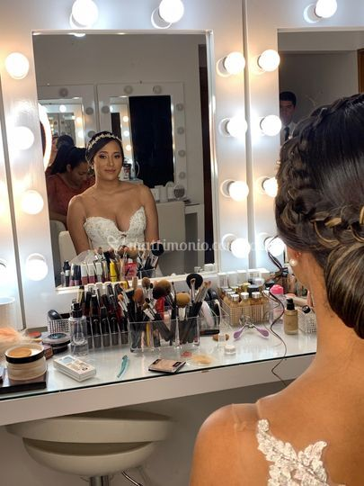Karla López M. Makeup Studio