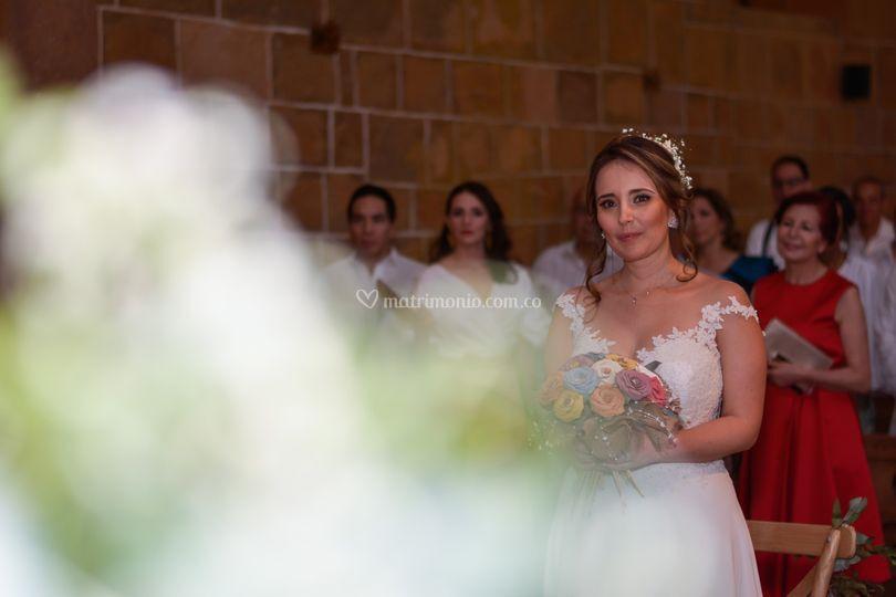 La novia en la iglesia