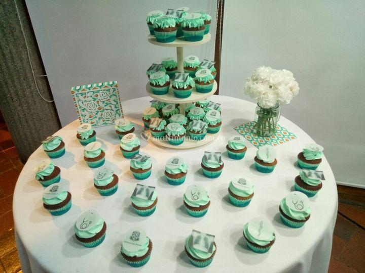 Montaje mesa de cupcakes