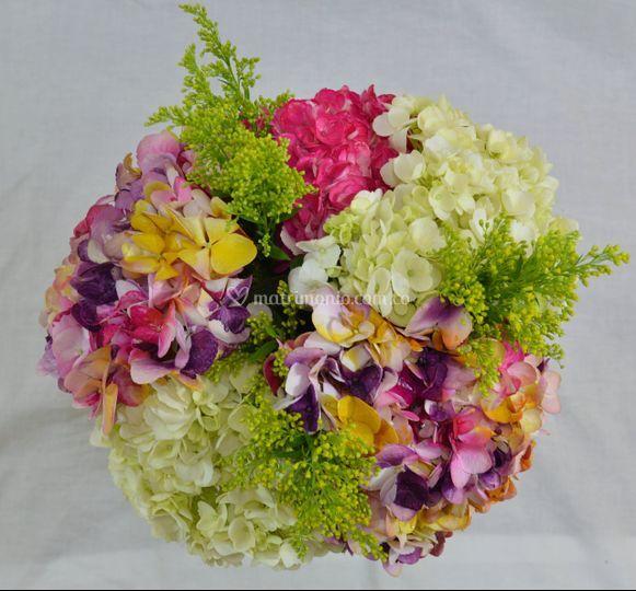 Bouquet mixto natural y pintad