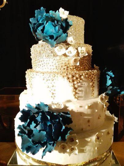 Ponqué boda flores azules