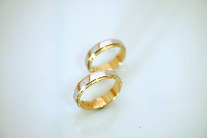 Oro blanco y amarillo 18K