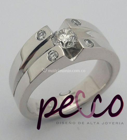 Anillo en oro blanco y diamante de Pecco Diseño de Alta Joyería