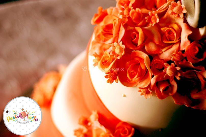 Torta Con Flores en Fondant